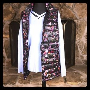 Woman Within | Puffy Vest | Black Floral | 22/24